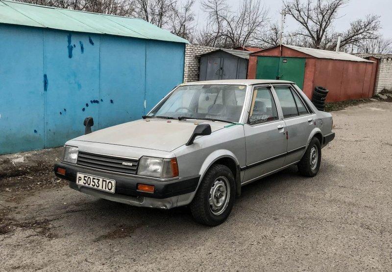 Праворульная Mazda Familia 1984 года с пробегом 80 тысяч километров                      авто