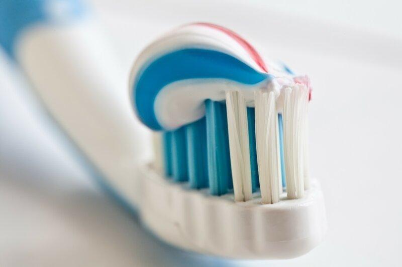 Как оказалось, зубная паста вредна для зубов                      Интересное