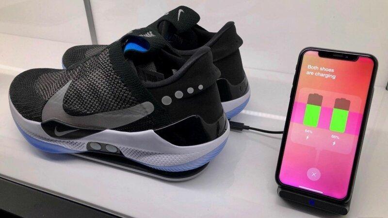 Плащ-невидимка и кроссовки с NFC: из чего делают одежду XXI века-5 фото + 3 видео-
