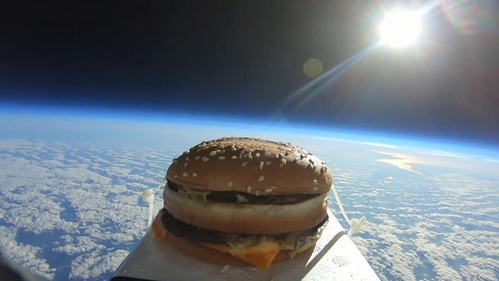После пребывания в космосе вкус бургера стал неприятным: странный эксперимент
