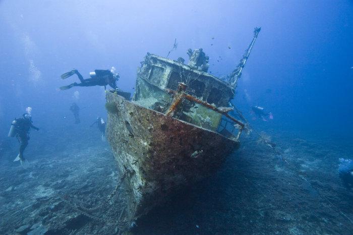 -Семерка- наиболее известных и грандиозных кораблей, ушедших на морское дно