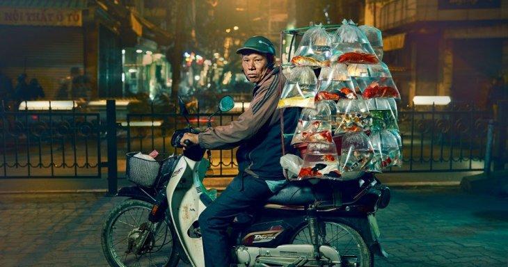 Вьетнамцы перевозят на мопедах все! Интересное