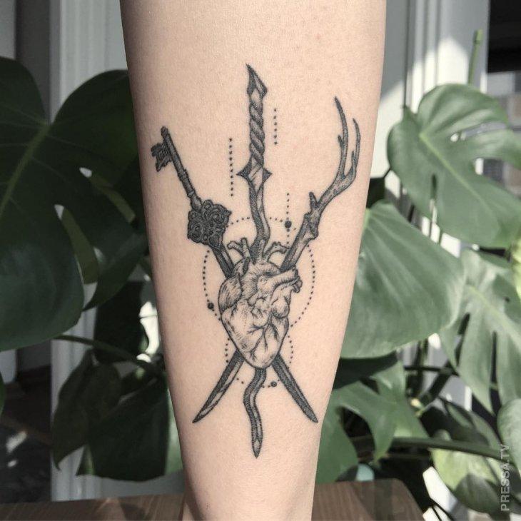 Памятные татуировки в геометрическом стиле