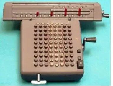 Почему клавиши на телефонах и калькуляторах расположены по-разному?