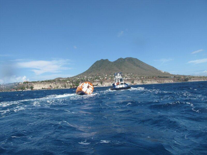 Французскому пенсионеру удалось переплыть Атлантический океан в огромной бочке                      Интересное