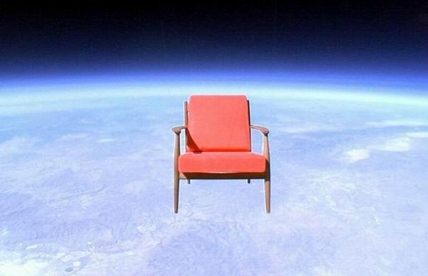 10 предметов, которые люди зачем-то отправили в стратосферу