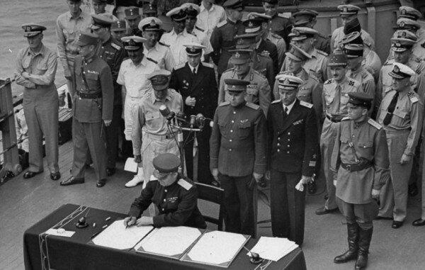 Миф о капитуляции Японии после Хиросимы и Нагасаки                      Интересное