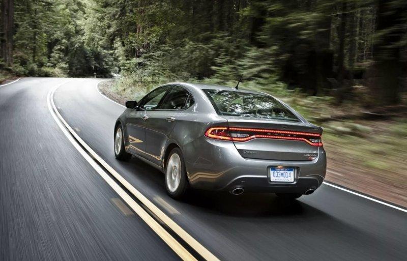 Ошибка маркетологов: в США компания Dodge продала всего 3 новых автомобиля Dart за месяц                      Интересное