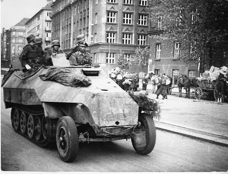 Пражское восстание 5-9 мая 1945 года-18 фото + 1 видео-