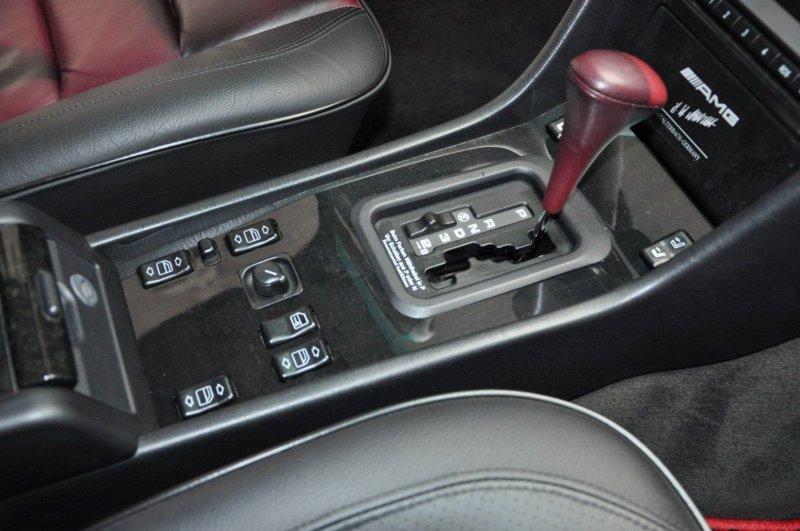 Редкий зверь: Mercedes E60 AMG 1995 года продают по цене нового S-Class-37 фото-