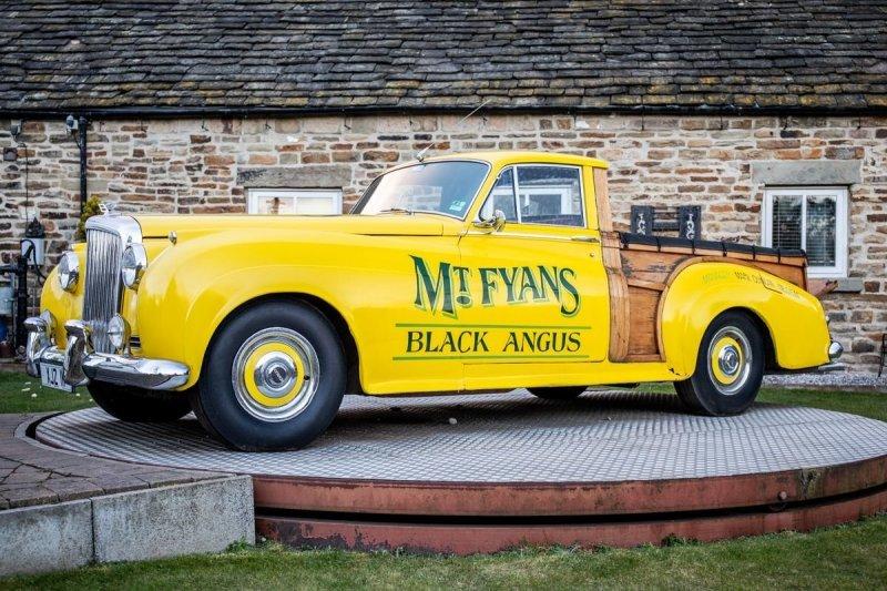 Уникальный ретро-пикап на базе Bentley продадут с аукциона                      авто