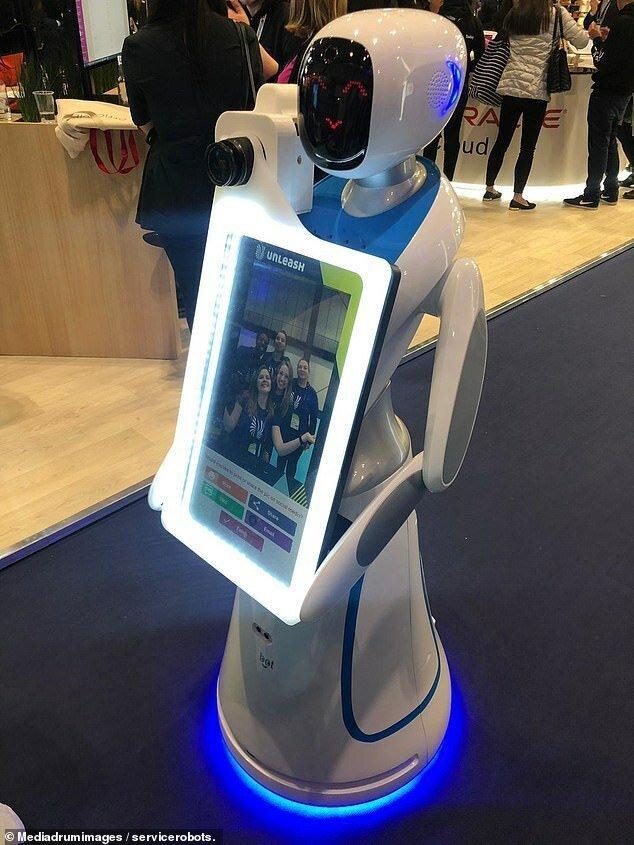 Роботы готовы подвинуть свадебных фотографов-5 фото + 1 видео-