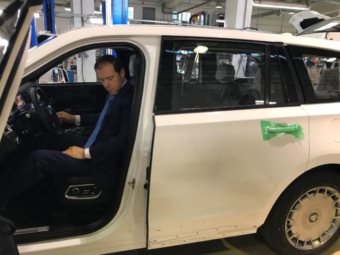 Представители «Aurus» показали фотографии первого действующего образца внедорожника «Komendant» авто