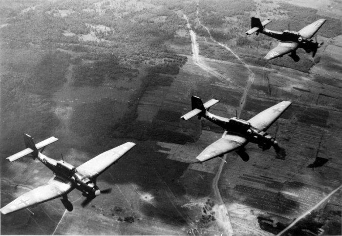 -Штука- в небе: почему Junkers Ju 87 не убирал шасси во время полета и страшно ревел перед сбросом бомбы
