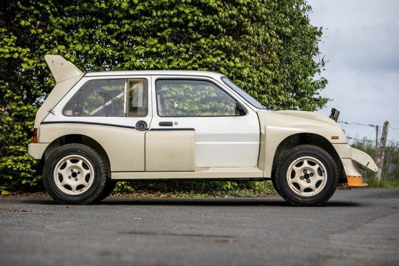 На аукционе будет продан новый раллийный хэтчбек MG Metro 6R4 из 80-х-12 фото-
