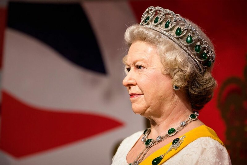 Британская королева может безнаказанно убить кого угодно-2 фото-