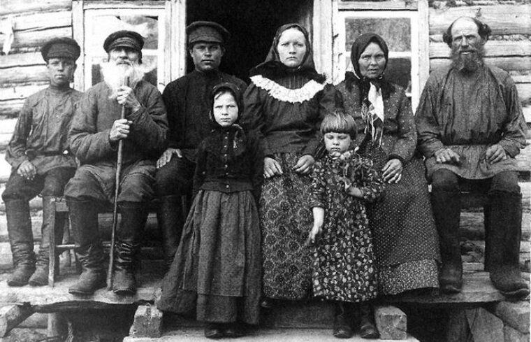 Как жили богатые и бедные люди до революции 1917 года-7 фото-