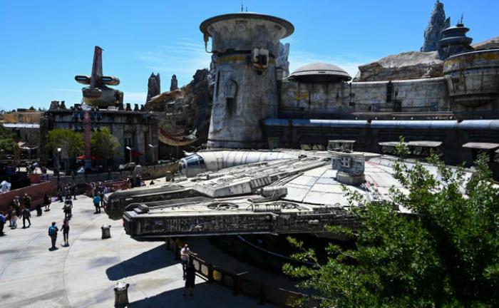 Тематический парк -Звездные войны- глазами счастливчиков, побывавших там