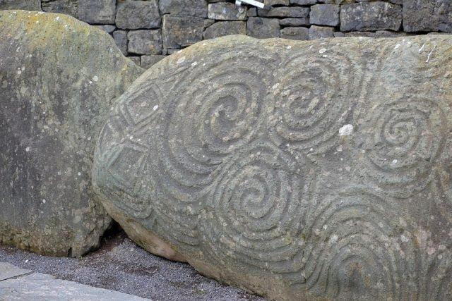 Гробница Ньюгрейндж в Ирландии — старше, чем Великие пирамиды в Египте