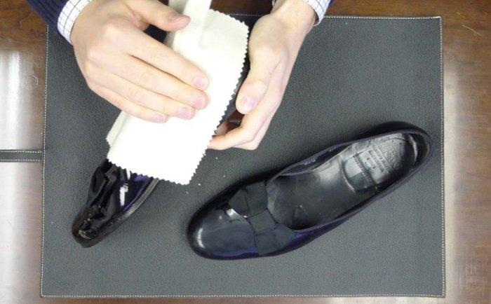 Как скрыть царапины на кожаной обуви и заставить ее выглядеть лучше новой