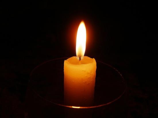 В пламени свечи содержатся миллионы крохотных бриллиантов Интересное
