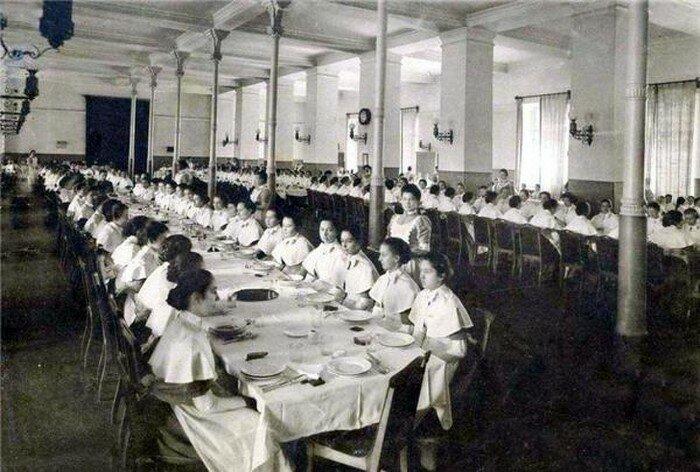 Как на самом деле воспитывали барышень в институтах благородных девиц -11 фото-