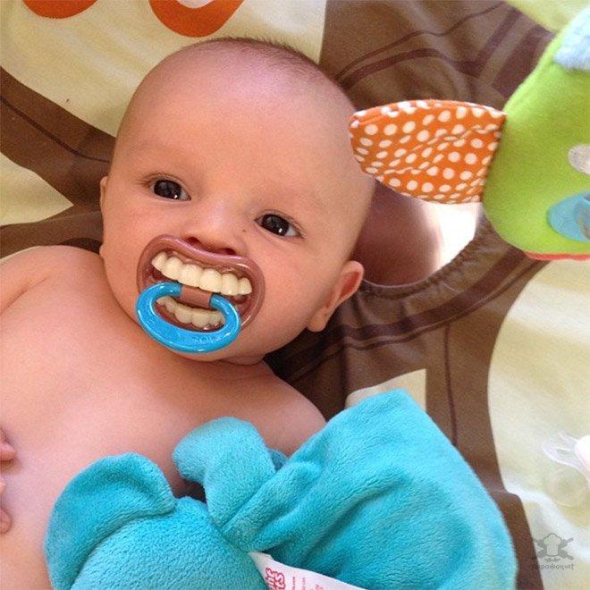 Весёлые соски для малышей