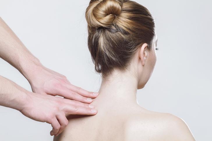 Реабилитолог рассказал, почему щелкают суставы и когда стоит бежать к врачу Интересное