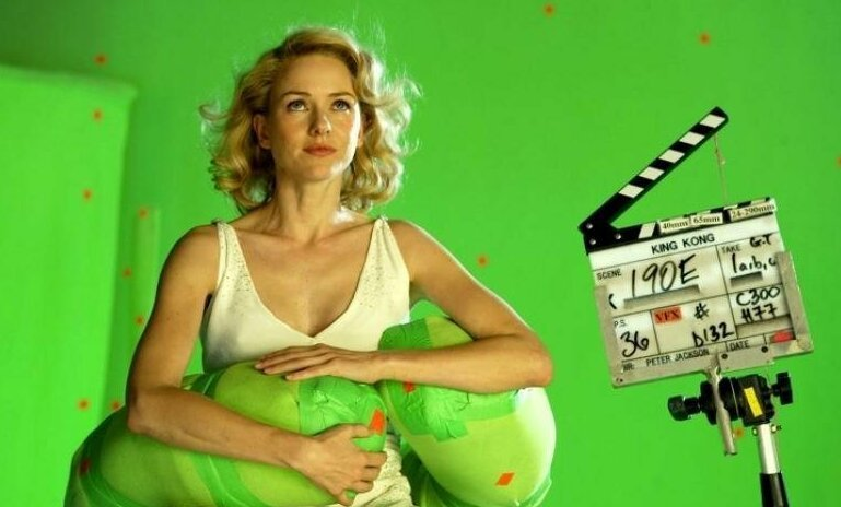 17 интересных фото за кадром известных фильмов, погружающих в магию кино                      Интересное