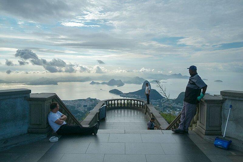 Как выглядят знаменитые туристические места, если развернуть фотокамеру в другую сторону                      Интересное