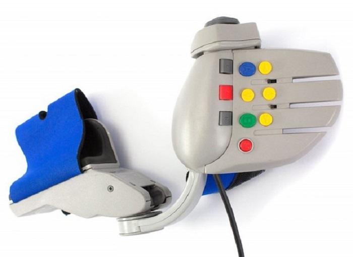 Жилет на грудь, шар для боулинга, складной нож и другие странные пульты управления для видеоигр