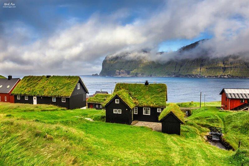Домики с заросшей крышей, в которых хочется поселиться-31 фото-