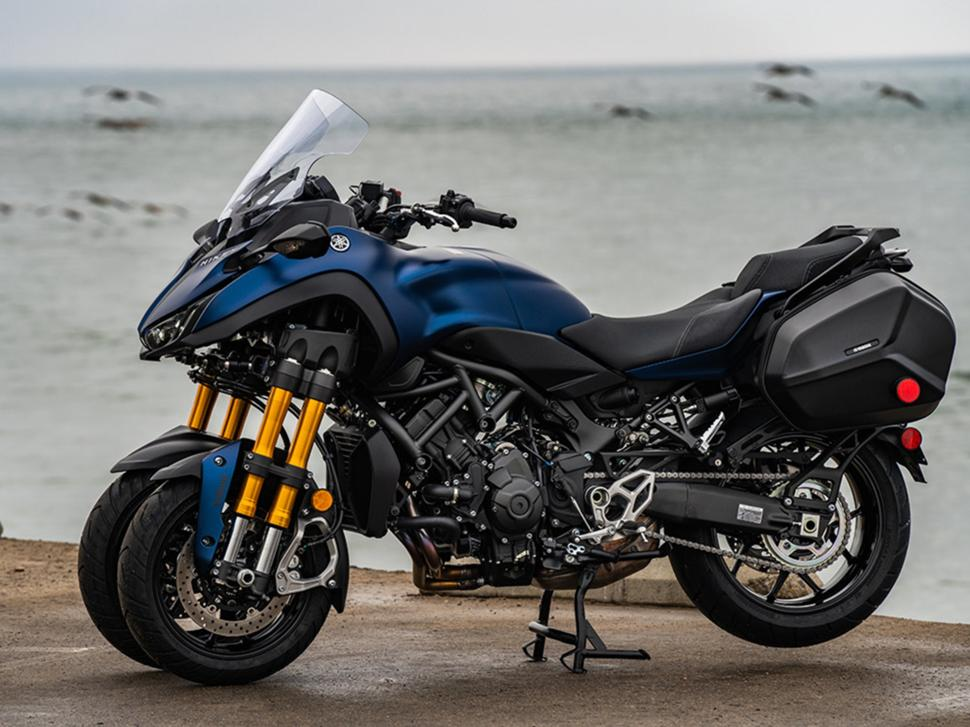 Новое слово в мотопроме: Yamaha Niken - байк со спаренным передним колесом