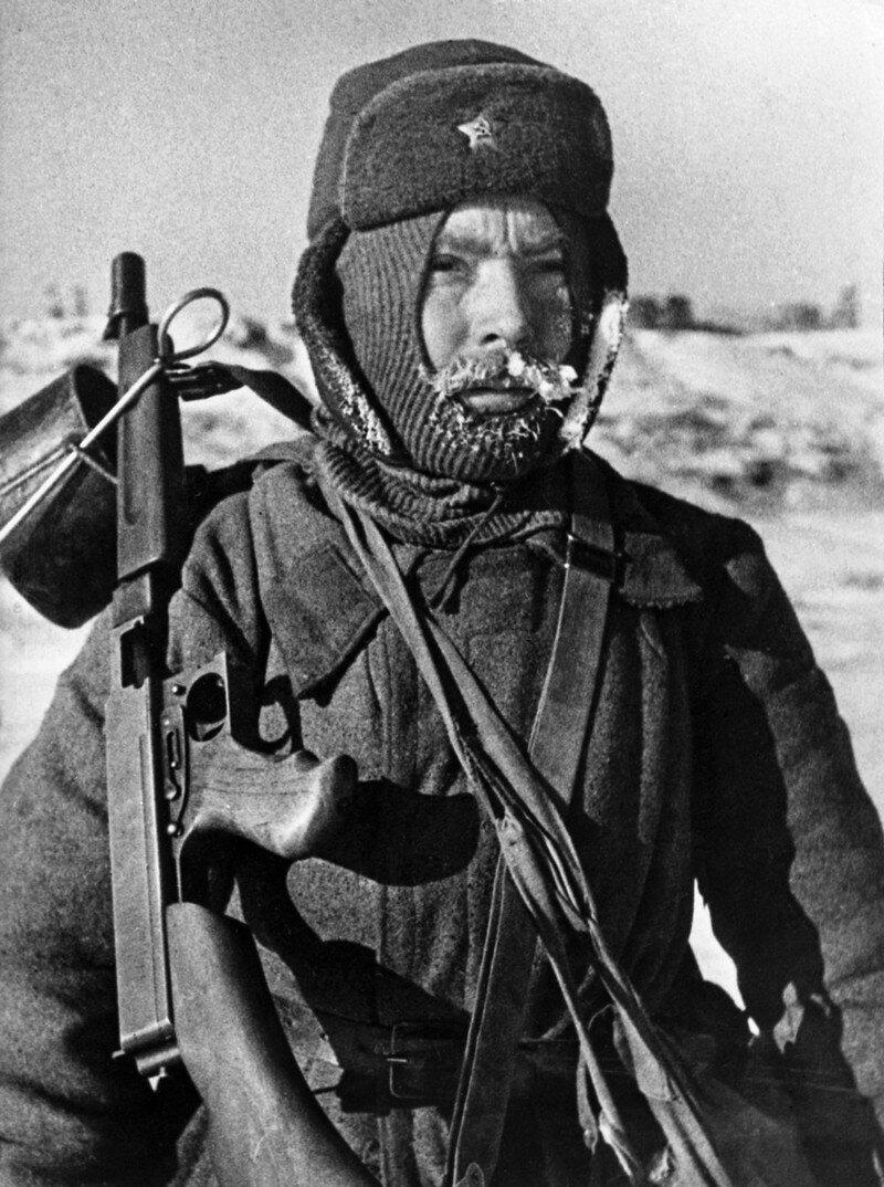 Фронт и тыл Великой Отечественной на снимках 14-ти военных фотографов-124 фото-
