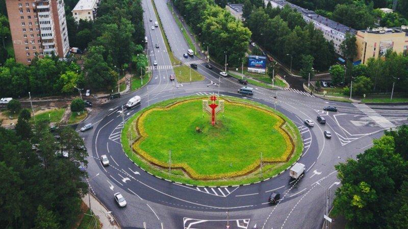 В скором времени в России могут появиться турбоперекрестки и квадратные светофоры-4 фото-