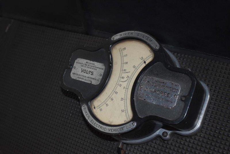 С аукциона продадут -самый важный электромобиль-, построенный в 1898 году-9 фото-