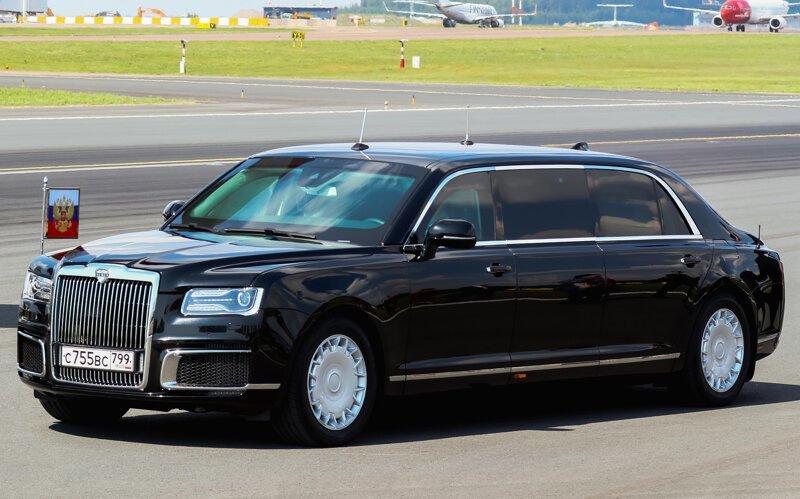 В Минпромторге раскрыли цену российского седана Aurus-5 фото-