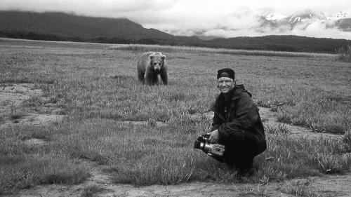 Топ-10: Удивительные истории о людях, которые жили среди диких зверей-11 фото-