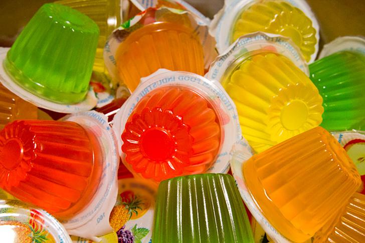 10 привычных продуктов, которые запрещены в разных странах из-за их состава