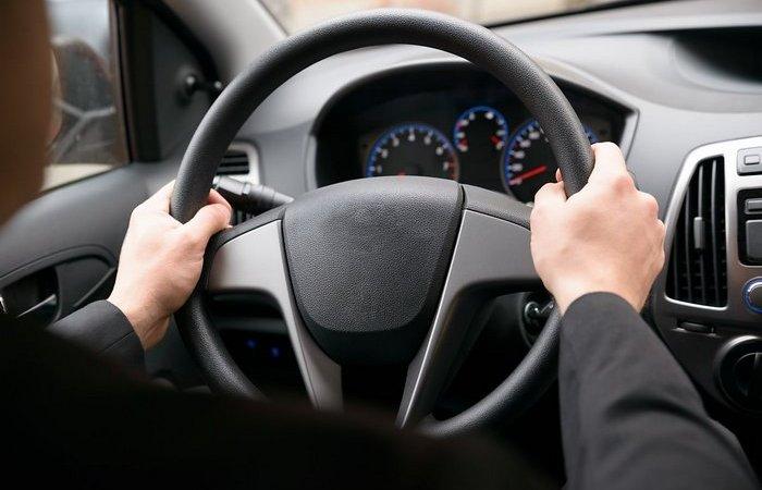 Тонкости управления автомобилем: Почему не надо выкручивать руль до упора
