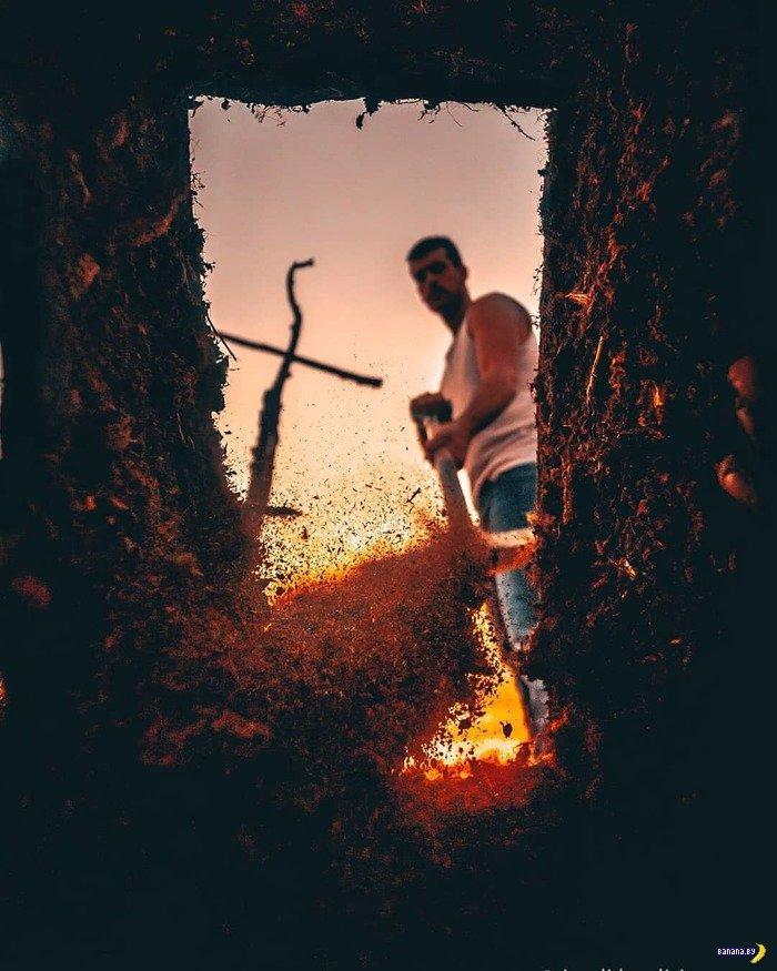 Как самому сделать полное драматизма фото из могилы?