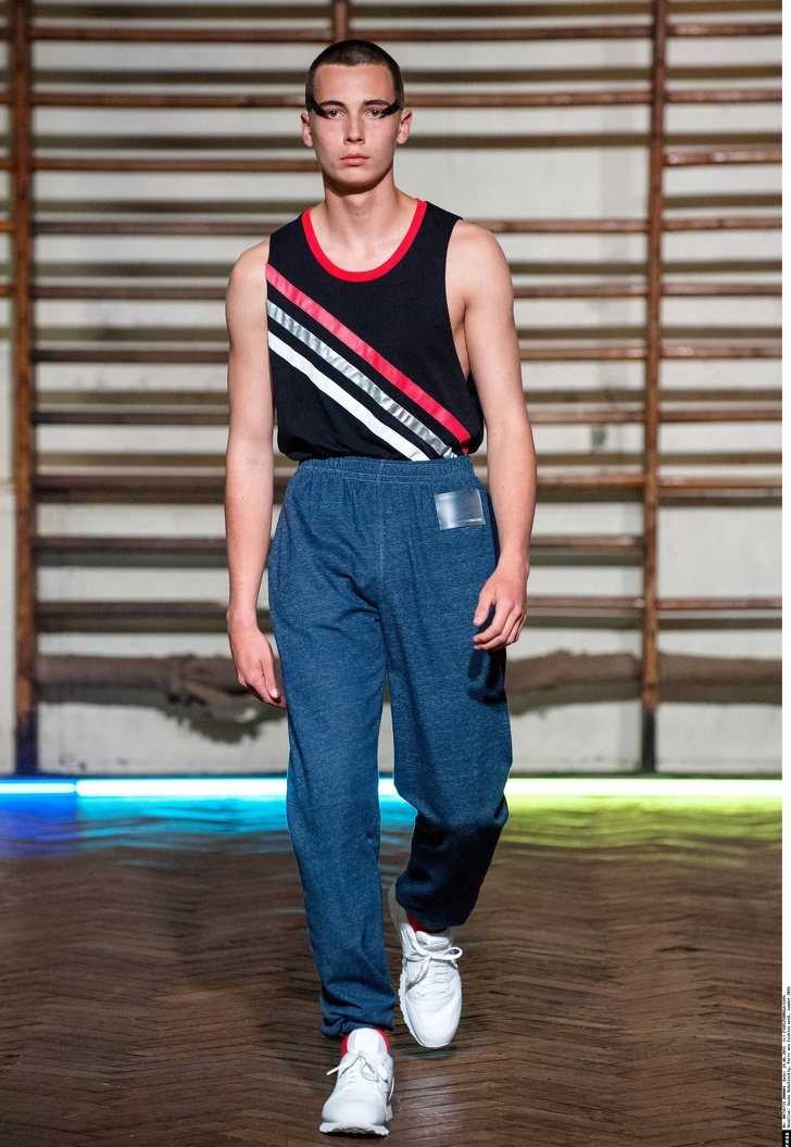 Как мода на безвкусицу захватила подиумы и почему мы приняли этот тренд с радостью