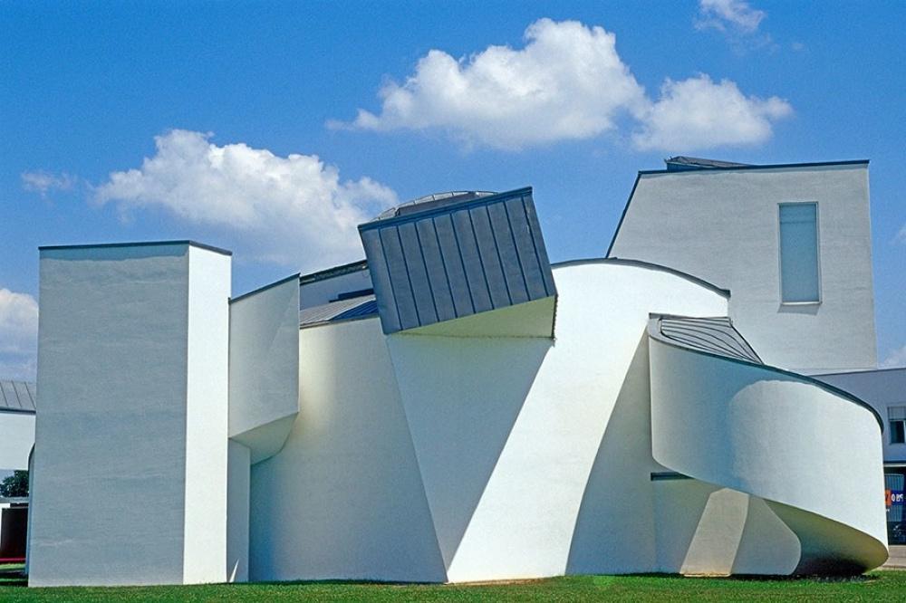 10 зданий, которые восстали против законов физики: воплощение самых необычных видений архитекторов