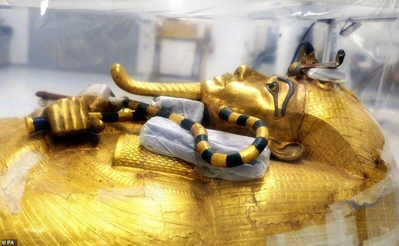 Впервые за 100 лет началась реставрация саркофага Тутанхамона                      Интересное