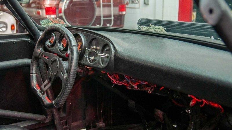 Наверное один из самых лютых Porsche 911-12 фото + 1 видео-