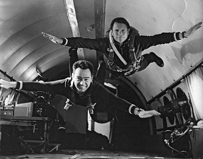 Как пить коньяк и устроить забастовку в космосе: страшные, смешные и загадочные истории астронавтов-7 фото-
