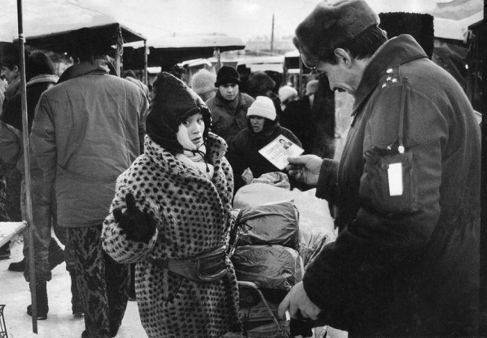 Эпоха спид-инфо и малиновых пиджаков: самые яркие явления из -лихих 90-х-