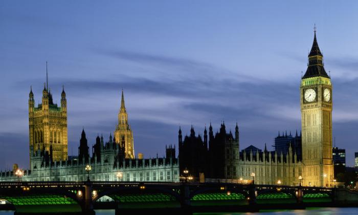 Пенни для Биг-Бена: как англичане добиваются точности главных часов страны с помощью монетки Интересное