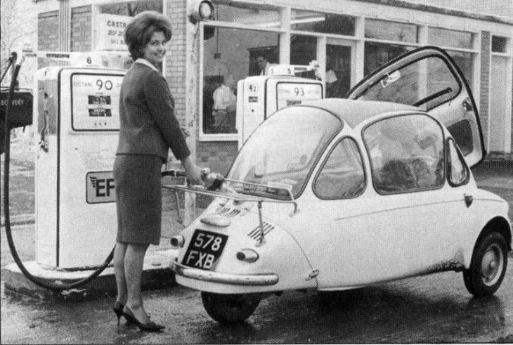 Винтажные фотографии автомобилей Heinkel Kabine Bubble в 1950-х годах