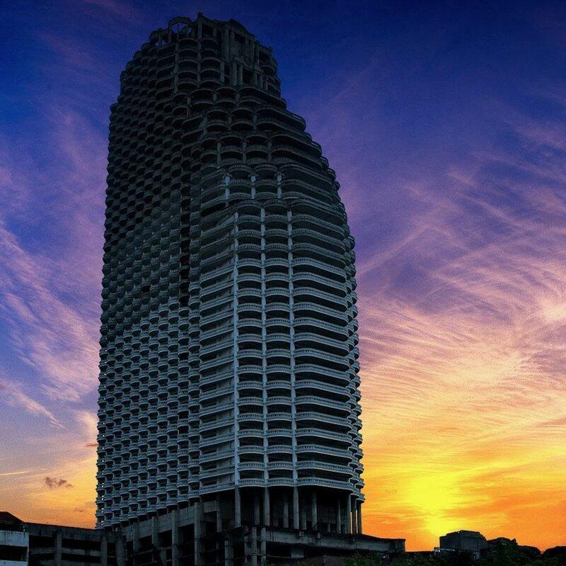 10 заброшенных небоскребов и башен мира для любителей экстрима-12 фото-